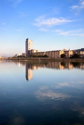 天水人工湖西河风景线景色