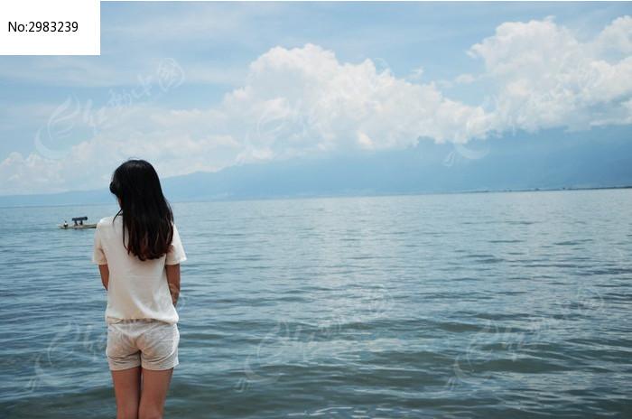 情侣头像背影大海