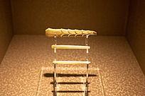 战国时期的陪葬器皿玉柄形器