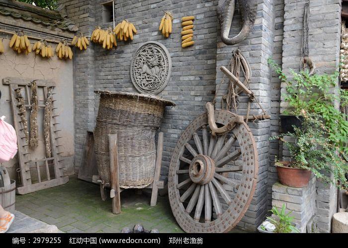 西安雁园的古代农具