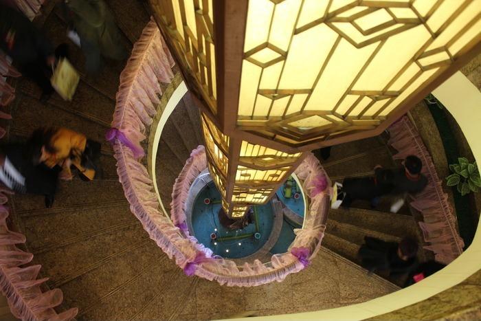 6层楼梯灯的实物接线图