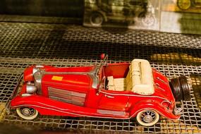 红色宾利老爷车铁艺模型