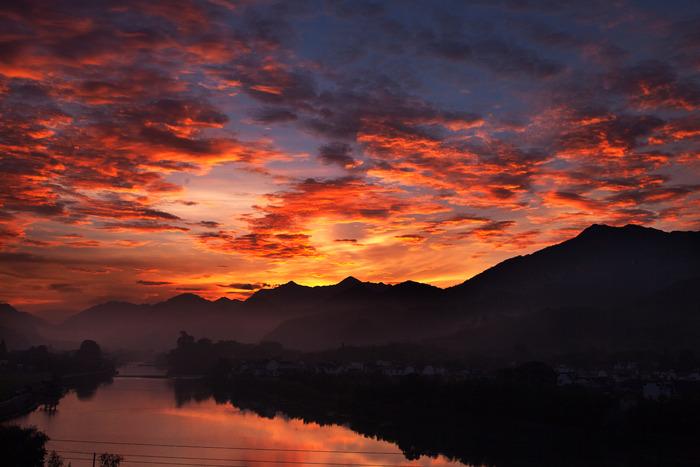 原创摄影图 自然风景 天空云彩 绩溪龙川河上红霞飞