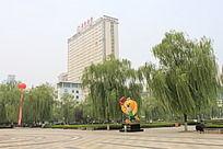 城市广场与招商银行