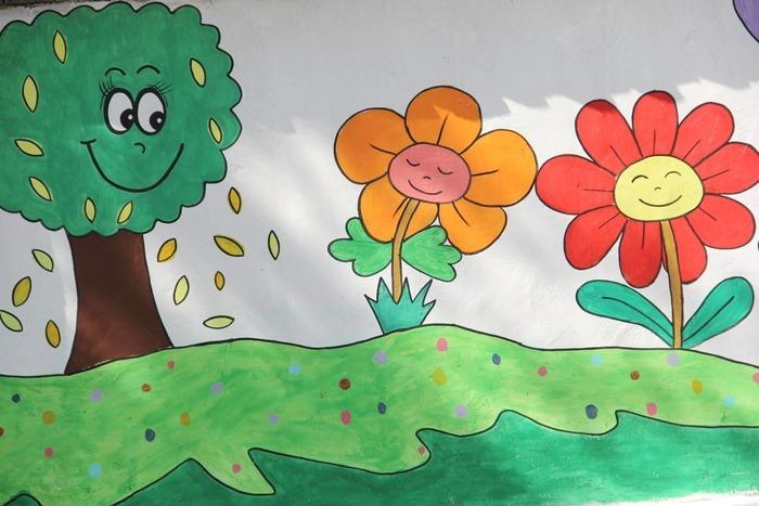 绘画树和小花图片