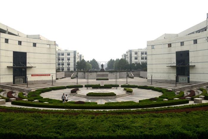 山东理工大学学校一角图片