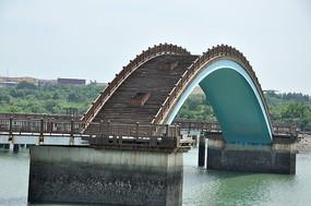 五缘湾的木质拱桥