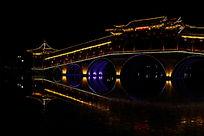 灯火辉煌的桥梁