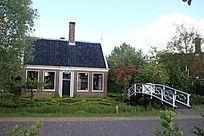 荷兰乡村一座居民房子
