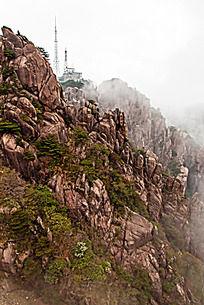 黄山春  高耸的铁塔