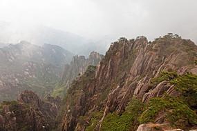 黄山春  山峦沟壑