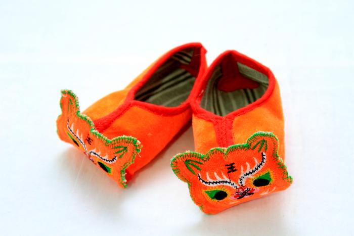 虎头的小鞋子图片