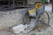 破旧的黄包车
