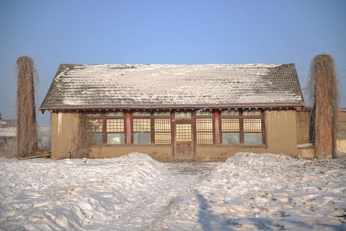 雪景老房子图片_自然风景图片