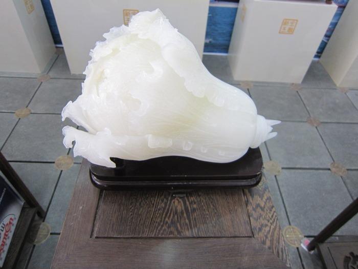和田玉羊脂白玉玉白菜玉石雕刻商业摄影图片