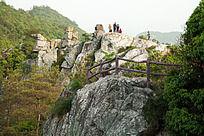 攀登柏溪燕山岩石峰
