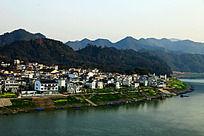 新安江畔的村落建设