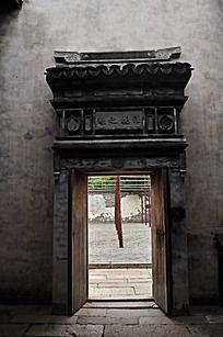 古代的门装饰