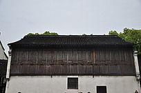 古代砖头和木头建造的房子