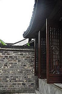古建筑庭院一角