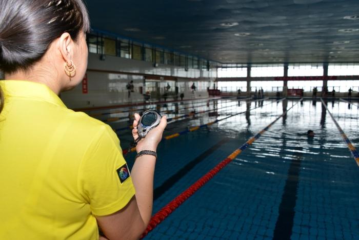 比赛游泳图片_体育运动图片居剑峰空手道图片