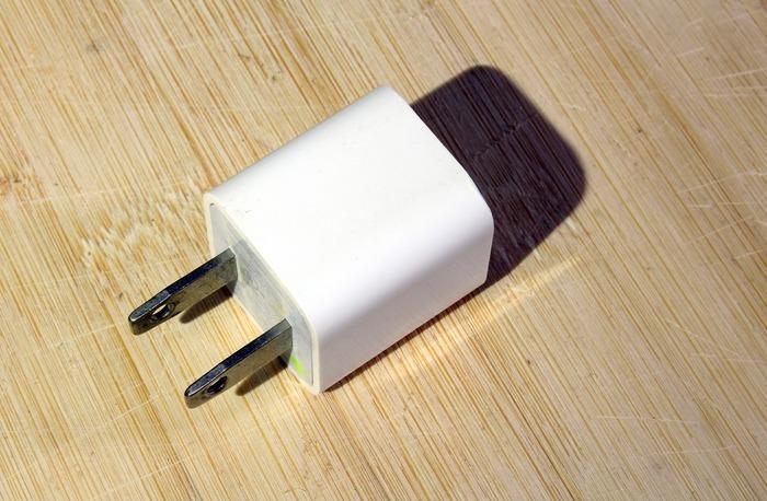 白色苹果5充电器的头图片素材下载(编号:3061917)
