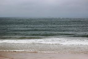 碧绿的海平线