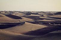 额济纳旗八道桥层叠的沙丘