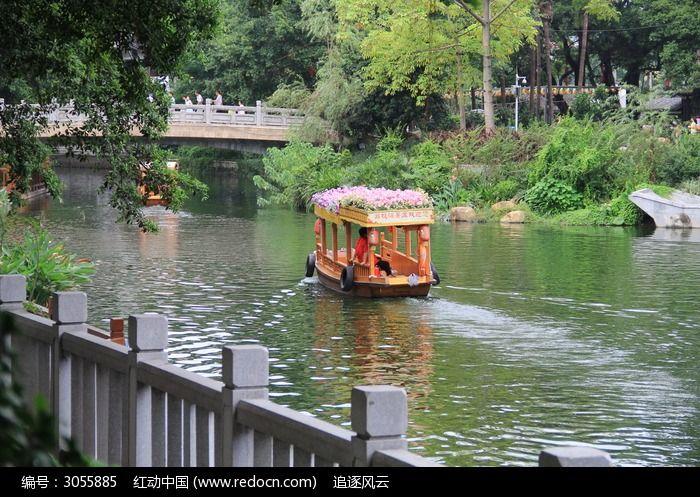 原创摄影图 自然风景 江河湖泊 湖泊面的小船
