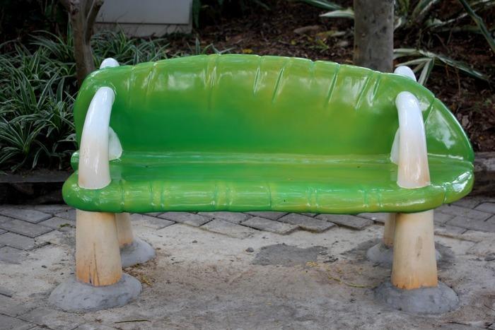 绿色卡通石头椅子图片