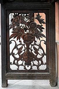 木雕牡丹花瓶图案