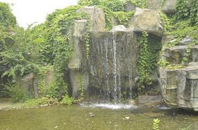 小溪流淌下的素材图片