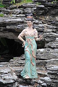 丰满的美女雕塑