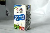 伊利纯牛奶盒装一盒牛奶