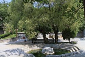园林小水池