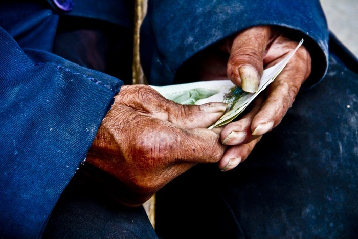 沧桑老人的双手图片