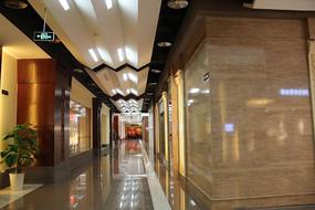 高大上的商场走廊