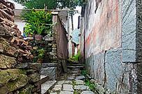 阳产土楼村落的村道