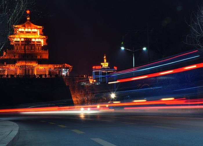 济南解放阁夜景图片,高清大图