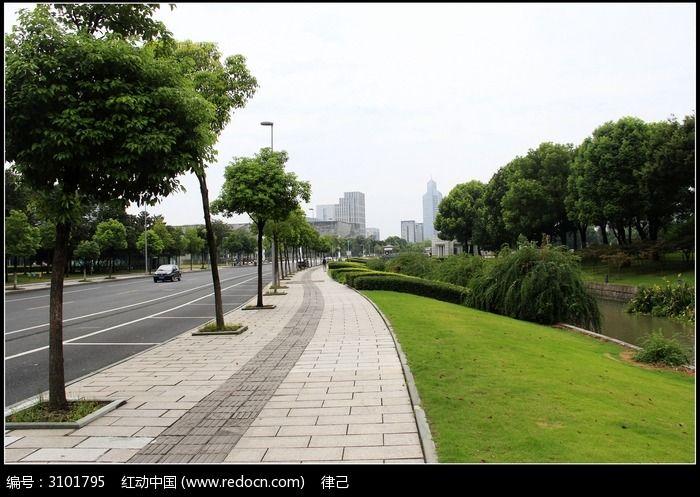 原创摄影图 建筑摄影 道路交通 清洁干净的马路人行道