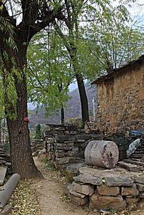 中原山村民居