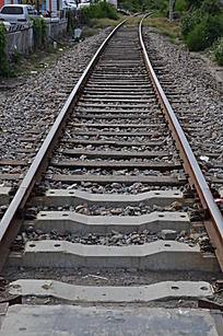 这样的轨道火车过得去吗 为什么