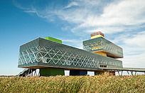 入海口湿地的地标性建筑远望楼全景