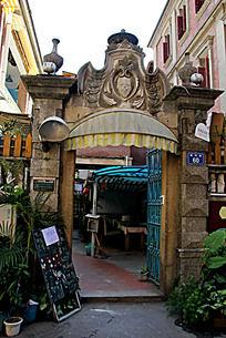 欧式花纹建筑大门