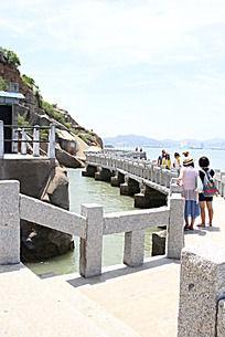海边石头长廊