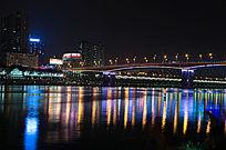 夜色下城市的江面夜景