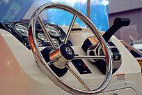 游艇驾驶室