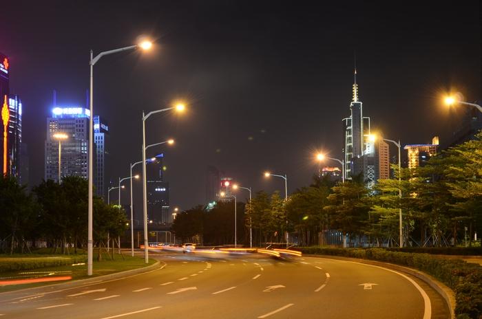 城市夜景 公路 路灯图片