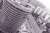 黑白摄影俯拍湖南建工集团旁的城市风光