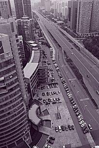 黑白摄影湖南建工集团整齐停泊的小汽车